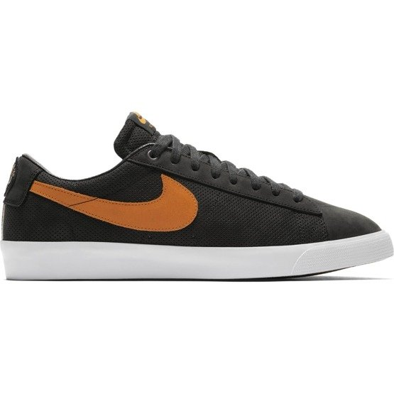 buty Nike SB Blazer Low GTBLACK/VIVID ORANGE-WHITE Portland's Cat's Paw Saloon